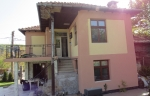 Recently renovated fully furnished house with a pool in the village of Pchelishte