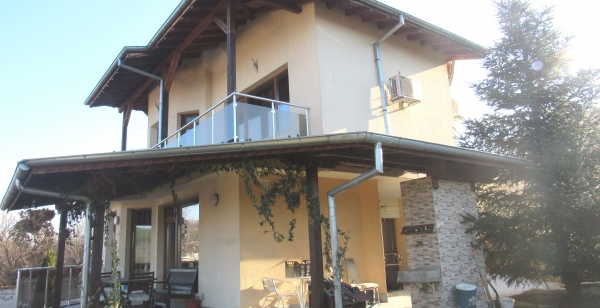 Newly built 4-bedroom house with a pool just 3km away from V.Tarnovo